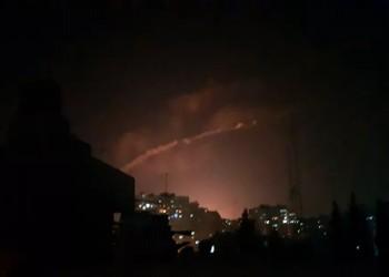 النظام السوري يعلن تصدي دفاعاته الجوية لطيران مجهول