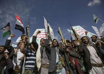 الحوثيون يتهمون جريفيث بالانحياز للتحالف وإطالة أمد الحرب
