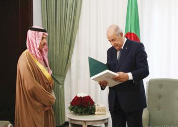 زيارة مفاجئة.. وزير الخارجية السعودي إلى الجزائر لمناقشة أزمة ليبيا