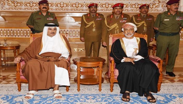 سلطان عمان وأمير قطر يبحثان تعزيز علاقاتهما وتطورات المنطقة