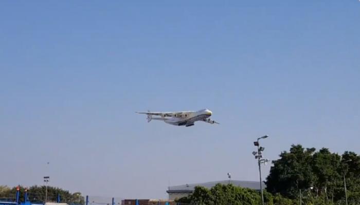 أكبر طائرة بالعالم تصل إسرائيل لنقل القبة الحديدية لأمريكا