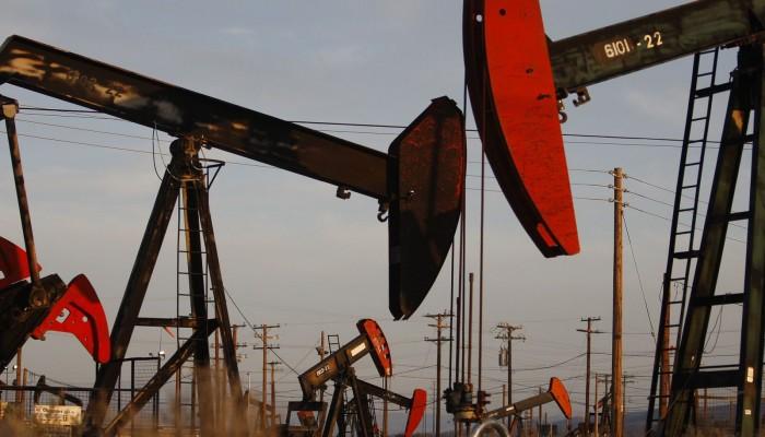 أسعار النفط عند أعلى مستوياتها منذ مارس