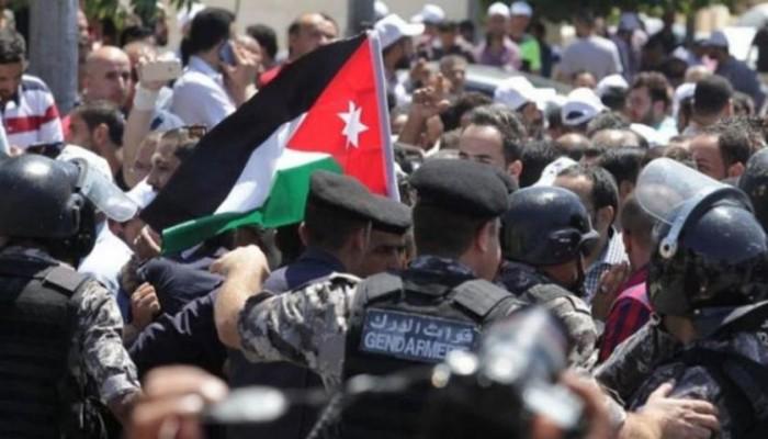 ستراتفور: اضطرابات واسعة بانتظار الأردن بعد قمع الحكومة لنقابة المعلمين