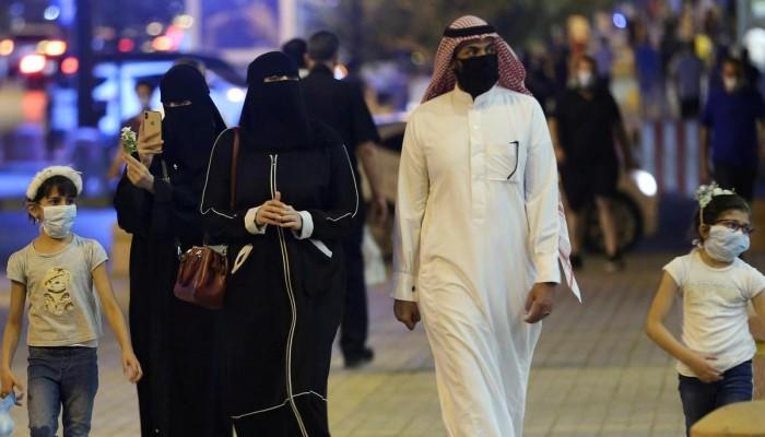 أكثر من 3300 إصابة جديدة و50 وفاة بكورونا في الخليج