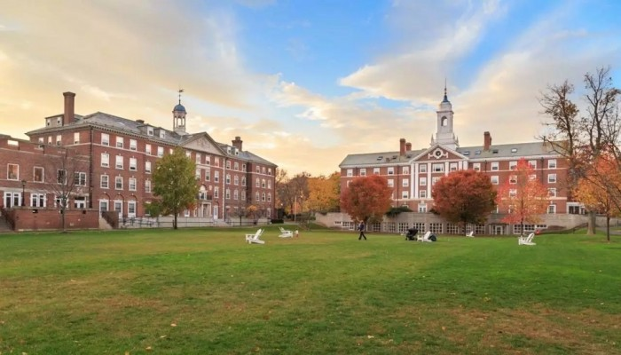للسنة 18 تواليا.. هارفارد تتصدر أفضل الجامعات عالميا لعام 2020