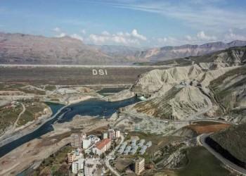 سدود تركيا وإيران تنذر بجفاف دجلة والفرات في العراق