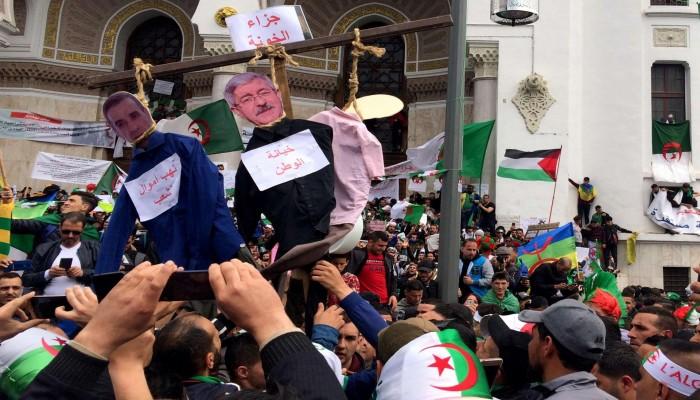 70 مليار دولار خسرتها الجزائر بسبب فساد مسؤولين كبار