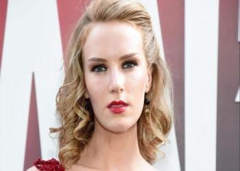 ممثلة شهيرة تعترف بممارسة الجنس مقابل صفقة بـ450 مليون دولار