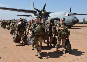قوة عسكرية فرنسية تصل قاعدة تمنهنت جنوبي ليبيا.. ماذا يحدث؟