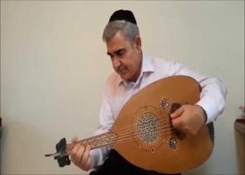 مطرب إسرائيلي يغازل السعوديين بأغنية في حب مكة (فيديو)