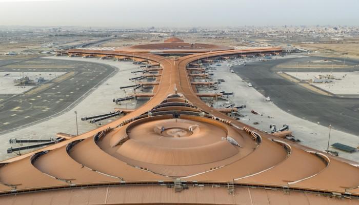 مطار جدة يستقبل أولى رحلات العمرة من خارج السعودية الأحد