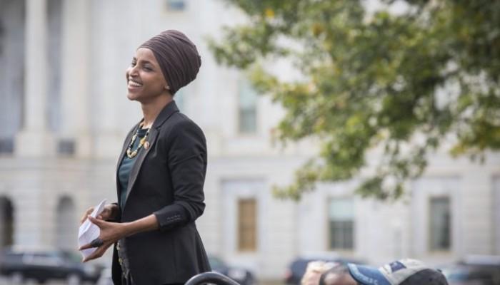 إلهان عمر تفوز بولاية ثانية في مجلس النواب الأمريكي