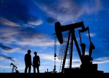 النفط يحقق مكاسب قوية بعد هبوط مخزونات الخام الأمريكية