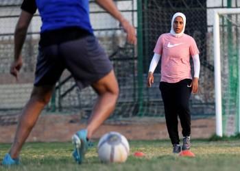 """""""كابتن فايزة"""".. أول مصرية تدرب فريق كرة قدم من الرجال (فيديو)"""