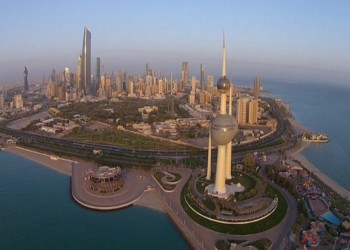 الكويت تتجه لوقف تعيينات الحكومة وزيادة التوظيف بالقطاع الخاص