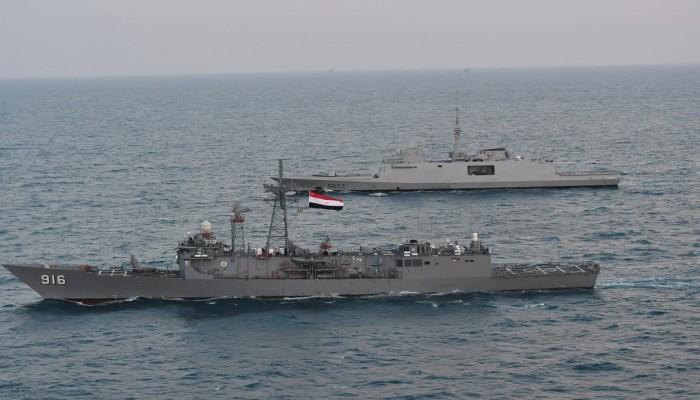 قوات مصرية وفرنسية تجري تدريبا عابرا في البحر المتوسط