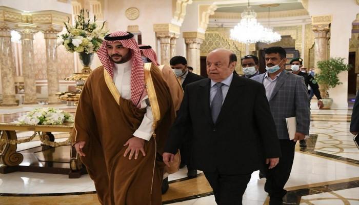 السعودية تؤكد للرئيس اليمني المضي قدما في تنفيذ اتفاق الرياض