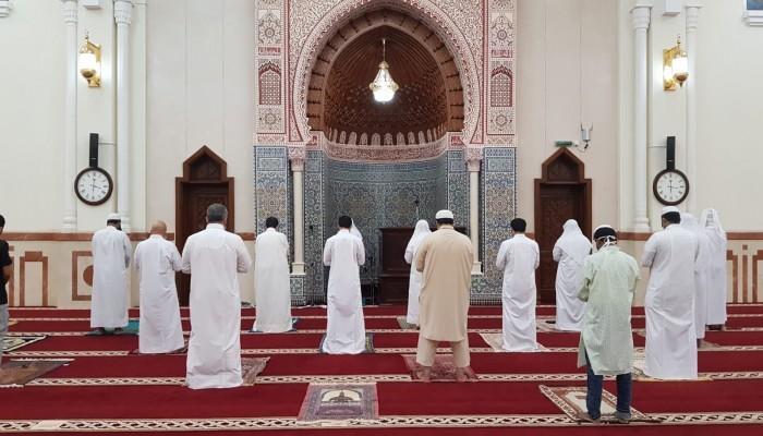 دبي ترفع تعليق صلاة الجمعة في أكثر من 766 مسجدا