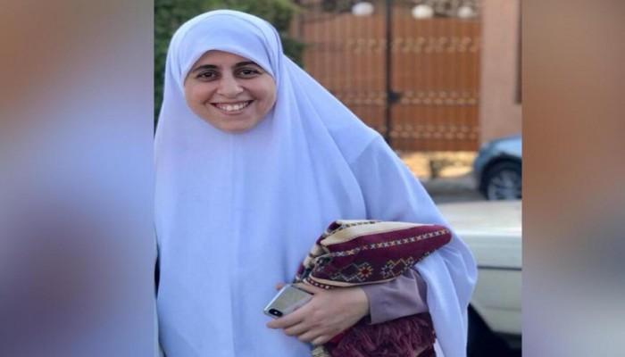 الداخلية المصرية تعترف بنقل عائشة الشاطر لمستشفى السجن وتنفي تدهور صحتها