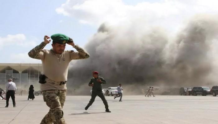 تفجيرات مطار عدن.. 22 قتيلا بينهم مسؤول أمني واتهامات متبادلة بين الحكومة والحوثيين