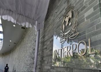 الإنتربول يعمم النشرة الحمراء بحق 3 أشخاص في قضية انفجار مرفأ بيروت