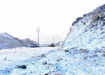 22 درجة تحت الصفر.. توقعات بتجمد جبل اللوز السعودي