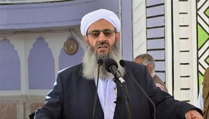 زعيم أهل السنة في إيران يدين ارتكاب الحرس الثوري مجزرة بمدينة سراوان