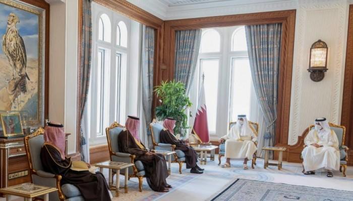 وزير الخارجية السعودي يسلم أمير قطر رسالة من الملك سلمان