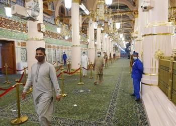 السعودية تفتح المسجد النبوي لأداء صلاة التراويح خلال رمضان