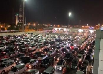آلاف السعوديين يتجهون للبحرين عبر جسر الملك فهد (فيديو)
