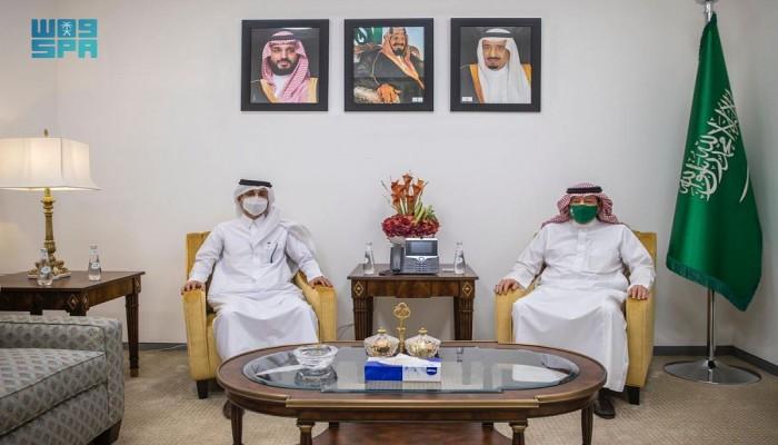 وزير الخارجية السعودي يتلقى رسالة خطية من نظيره القطري