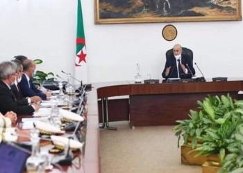 بعد استقالتها.. الرئيس الجزائري يكلف الحكومة بتصريف الأعمال