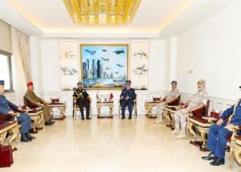 قطر وسلطنة عمان تبحثان سبل تعزيز التعاون العسكري