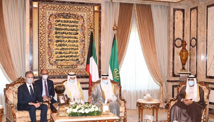 أمير الكويت وولي عهده يبحثان مع بلينكن العلاقات الثنائية
