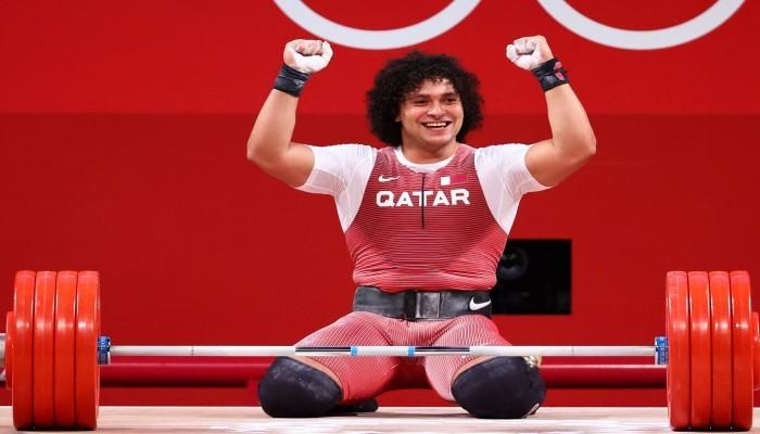 أمير قطر يتصل بالبطل الأوليمبي فارس حسونة لتهنئته بذهبية الأثقال