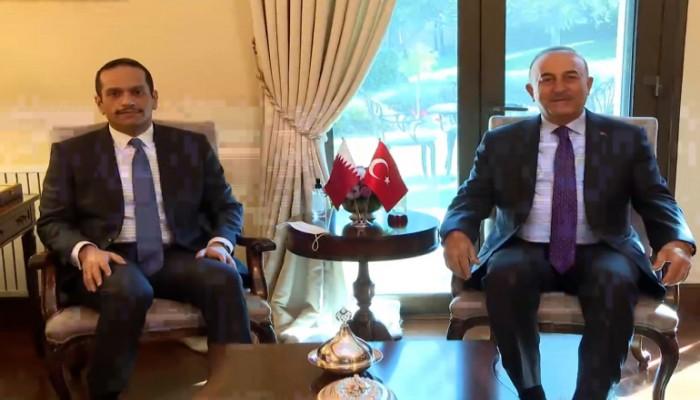 وزير الخارجية التركي يستقبل نظيره القطري ويبحثان تطورات أفغانستان (فيديو)