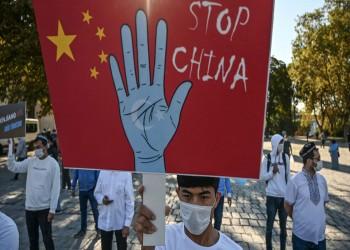 """بسبب معرض صور للإيجور.. الصين تتهم أمريكا بممارسة """"حيل سياسية رخيصة"""""""