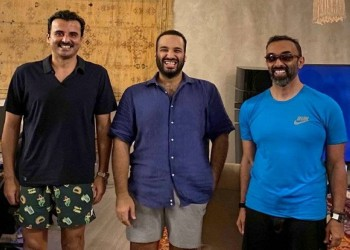 بالشورت.. لقاء ودي بين تميم وبن سلمان وطحنون بن زايد