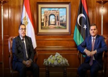 القاهرة تحقق في الواقعة.. تسريب صوتي لرئيسي وزراء مصر وليبيا