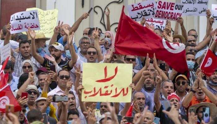 تونس: ديمقراطية حيّة تدافع عن نفسها