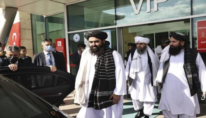 أول زيارة رسمية لتركيا.. وزير خارجية طالبان يصل إلى أنقرة